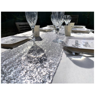 chemin-table-sequin -argent