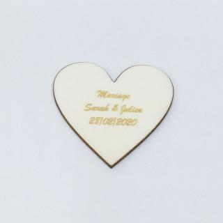 Confetti de table personnalisé coeur bois