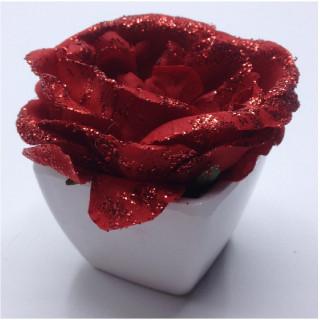 rose rouge en pot décoration de table