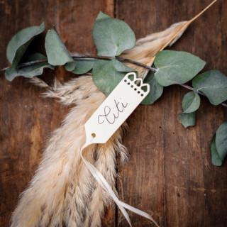 Étiquettes dragées Perforées Coeur  ivoire